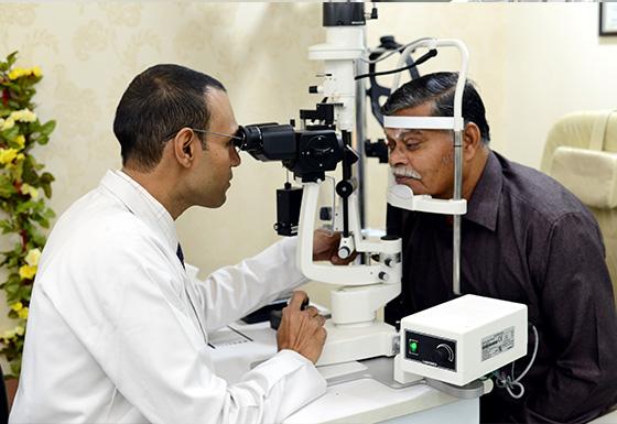 Eyes treatment service